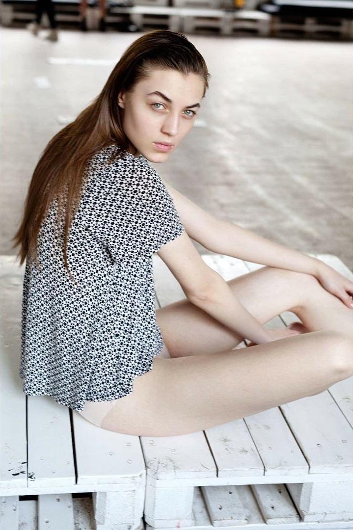 Karolina Latoszewska - SING Model Management Limited - 模特兒,藝人